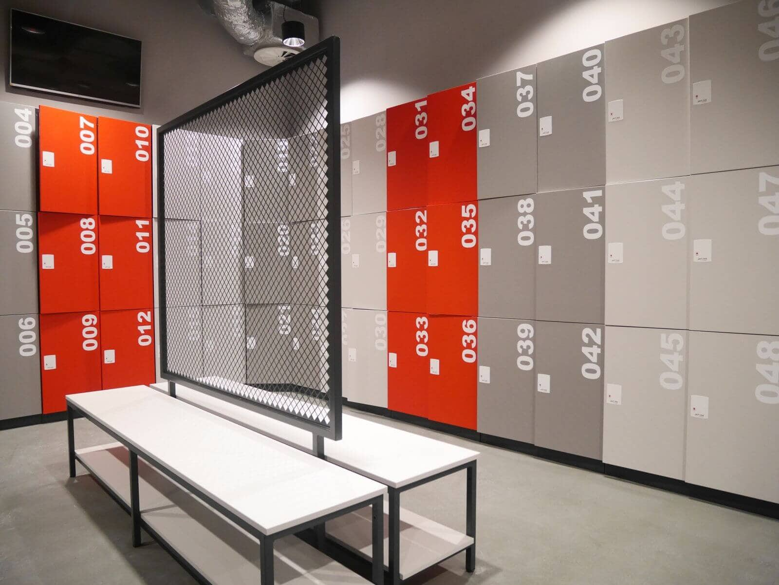 Garderobenbänke für Umkleideräume, Sitzbänke und Umkleidebänke ...